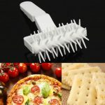 Pastry Dough Cookie Bread Pizza Pie Hole Roller Docker Wheeled Crust Baking Tool